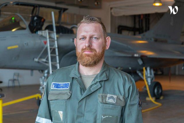 Rencontrez Sergent-Chef Adrien, Technicien systèmes embarqués  - armée de l'Air et de l'Espace