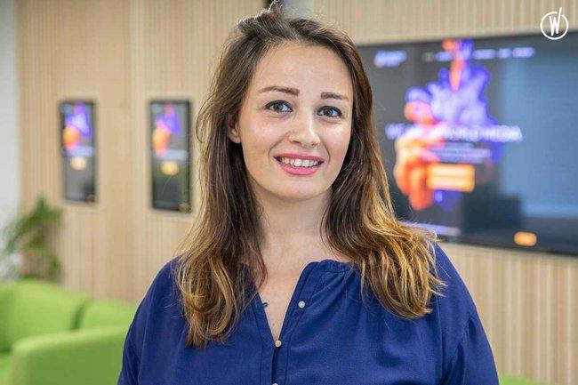 Rencontrez Reina, Directrice des Opérations Spéciales - Reworld Media