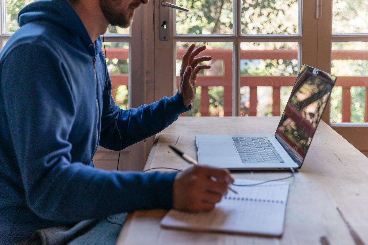 ¿Cómo organizar una reunión a distancia?