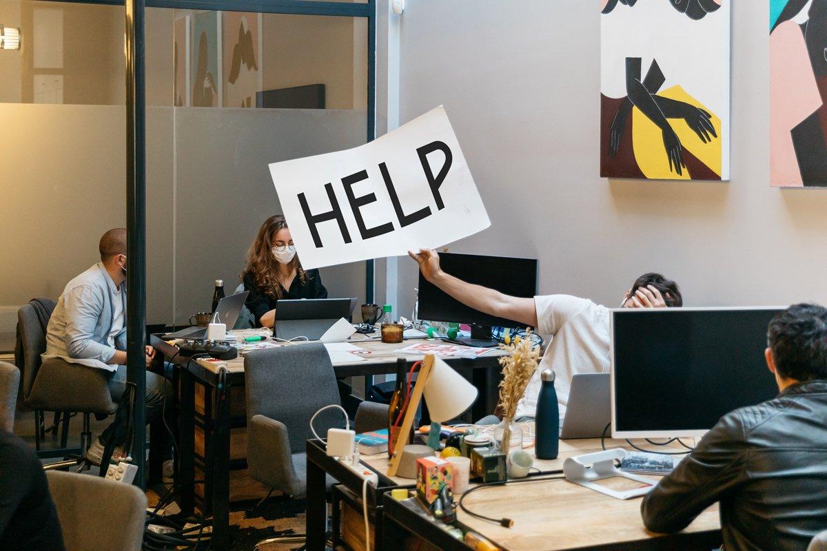 """SOS Manager en détresse """"Je ne suis pas fait.e pour manager !"""""""