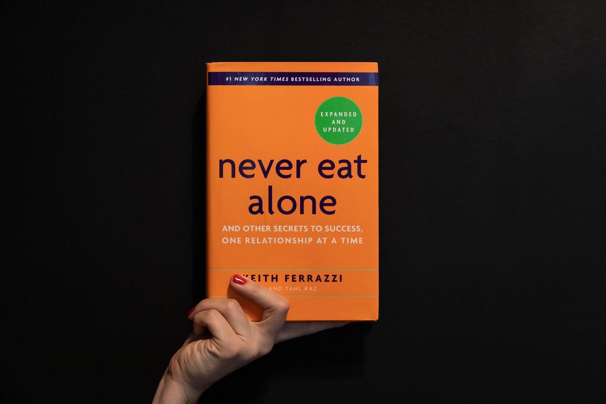 Never Eat Alone : livre de conseils pour construire son réseau