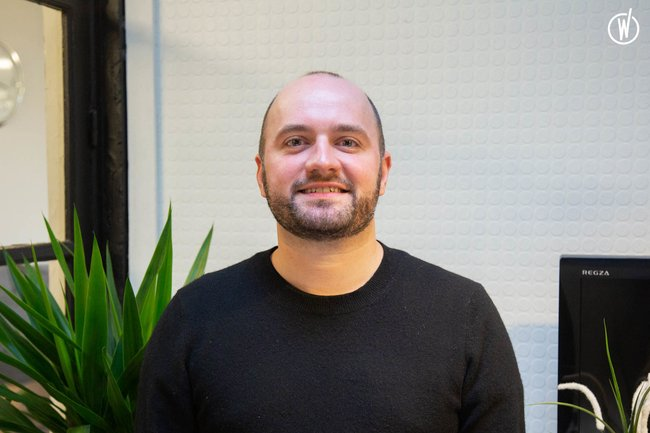 Rencontrez Damien, Directeur de Création - Intangibles Assets Design
