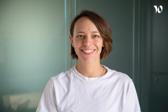 Rencontrez Gabrielle, Customer Happiness Specialist - Pixpay