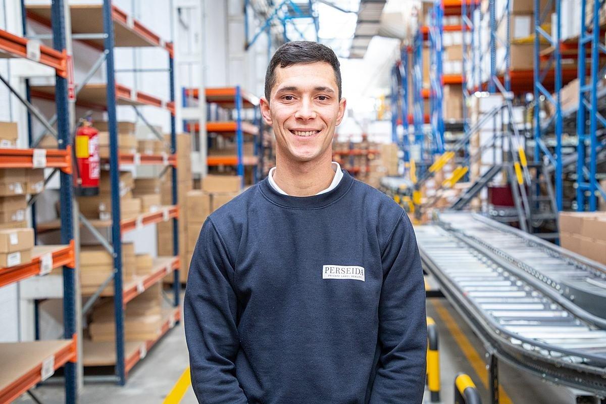Luis, jefe de línea de envasado - Grupo Industrial CL