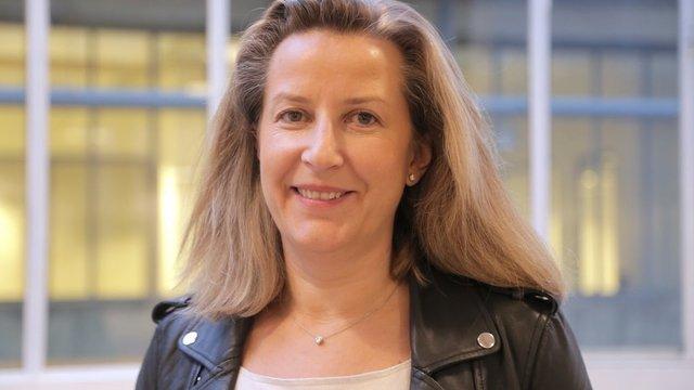 Rencontrez Hélène, Fondatrice et Présidente  - Youboox