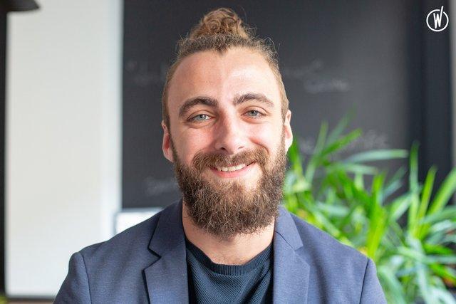 Rencontrez Yvann, Chef de Projet Éditorial - Wellcom
