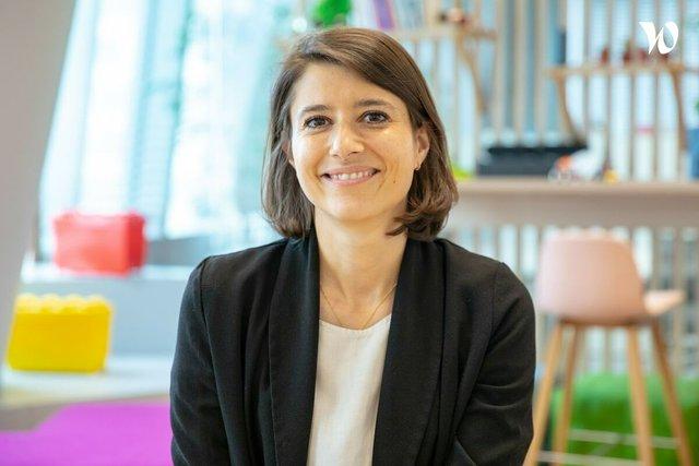 Rencontrez Justine, Directrice de Franchise Oncologie-Hématologie  - AstraZeneca