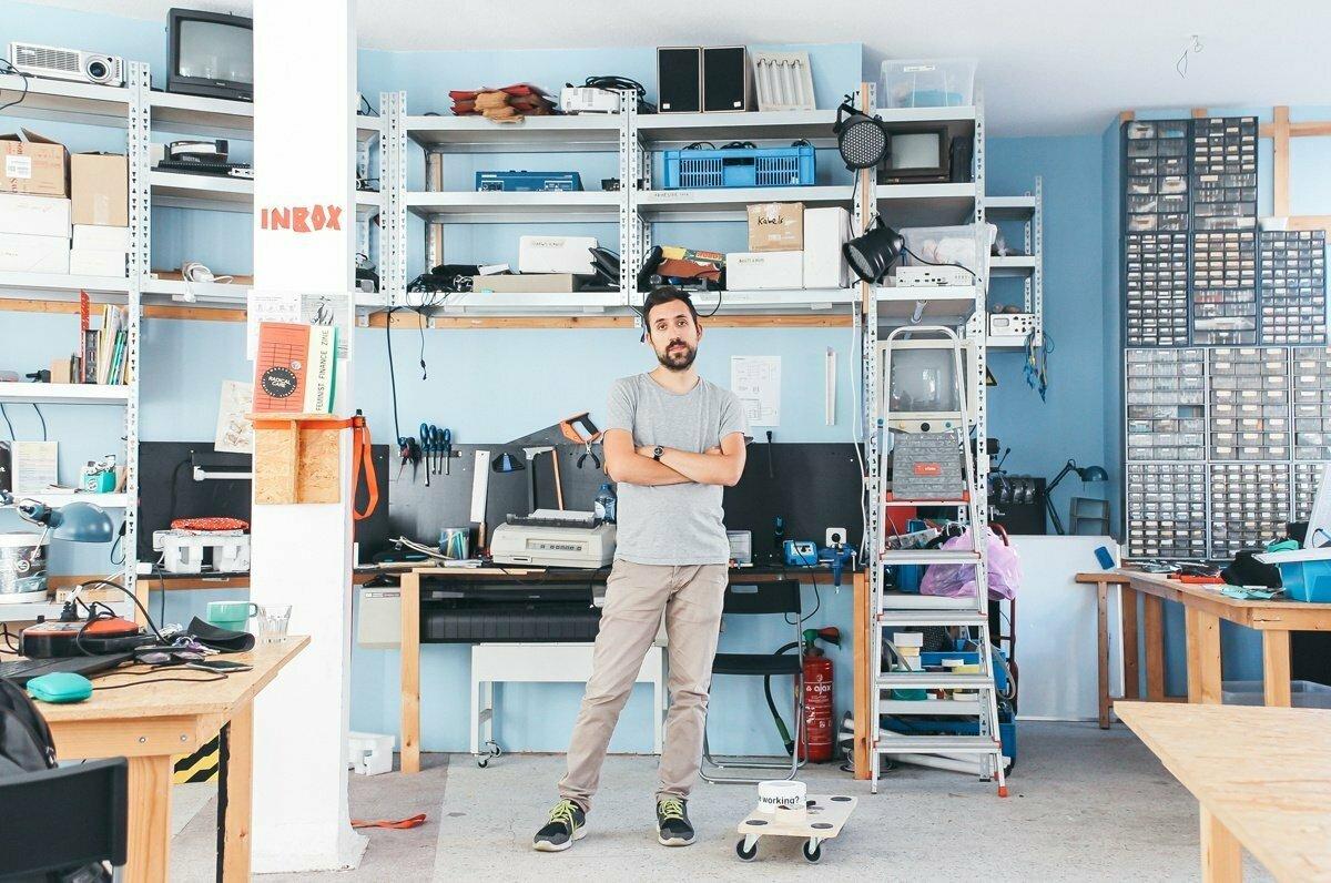 Silvio Lorusso's latest book on entrepreneurship and precarity