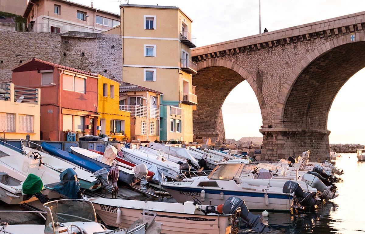 Partir travailler à Marseille  ⚽ : conseils & démarches
