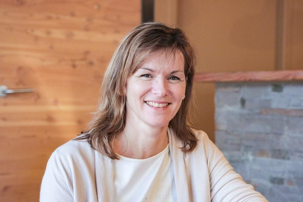 Rencontrez Nathalie, Responsable Commerciale Comité d'Entreprise - Huttopia