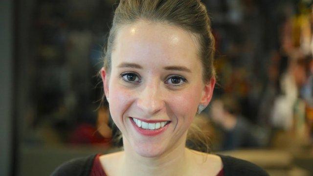 Rencontrez  Hélène, Chef de Projet Digital (Crédit Agricole SA) -  Groupe Crédit Agricole