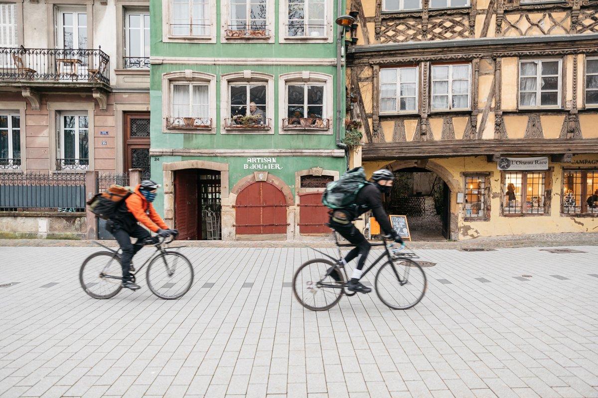 Reportage avec les coopératives de livreurs à vélo éthiques