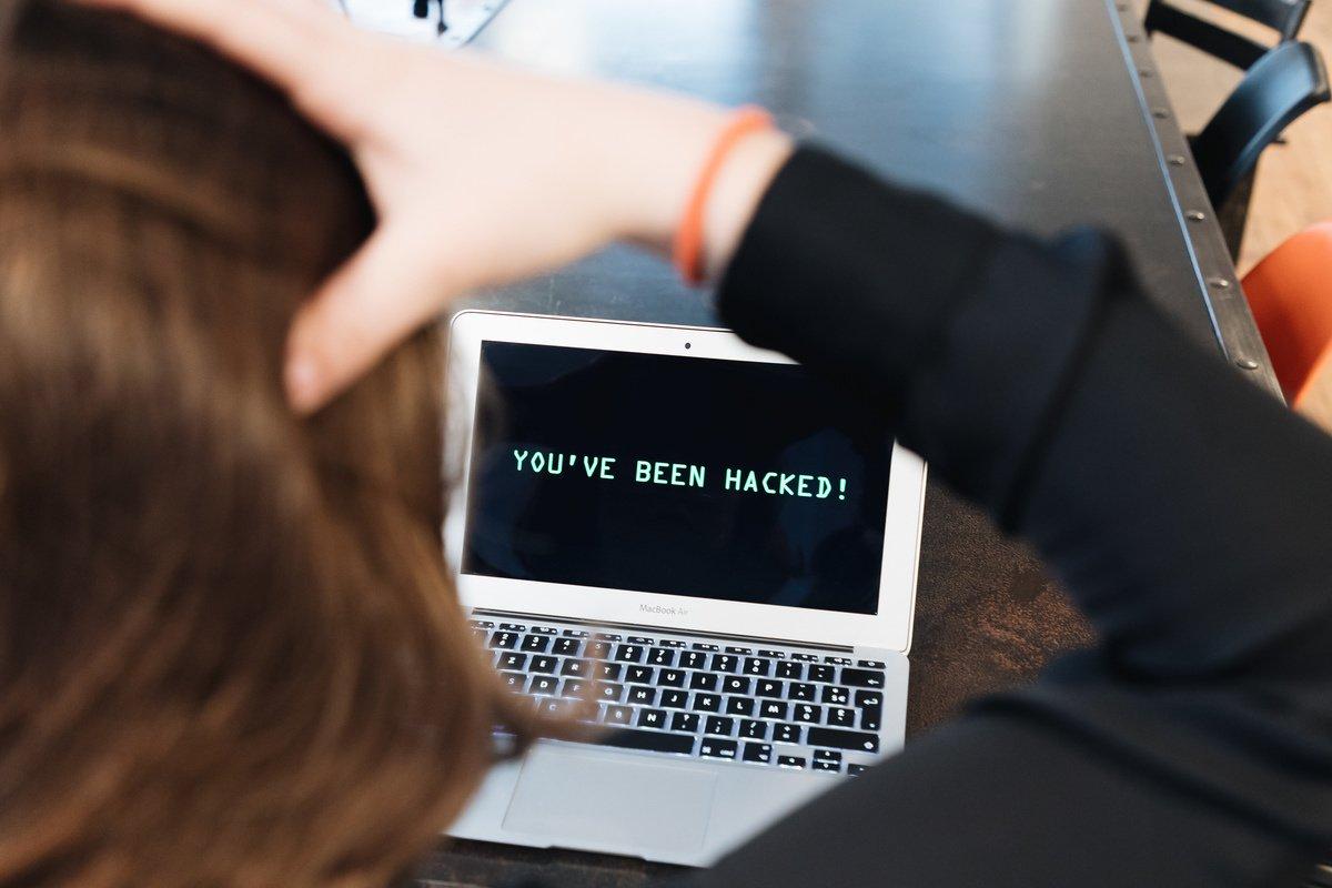 Kybernetická bezpečnost: jak při práci chránit své informace?