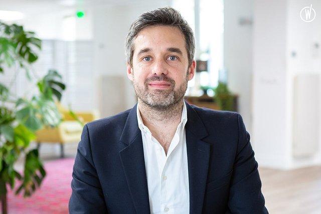 Rencontrez Arthur, Directeur du pôle brand content - Monet + Associés