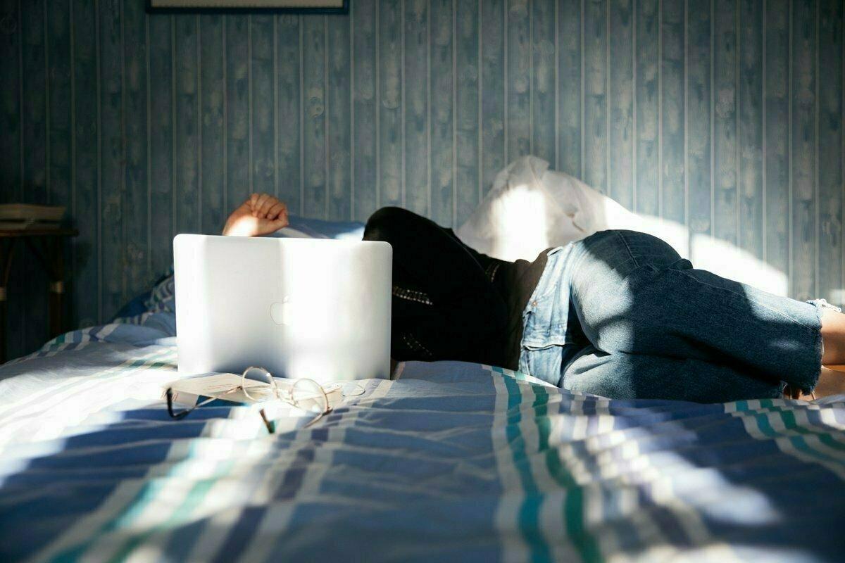 Když se ucho utrhne: co je to autistické vyhoření