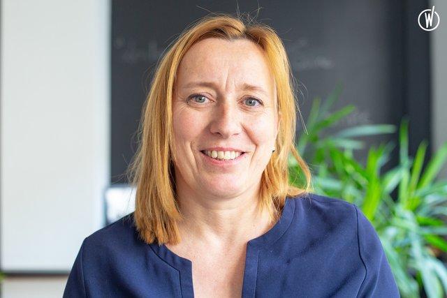 Rencontrez Caroline, Directrice Associée - Wellcom