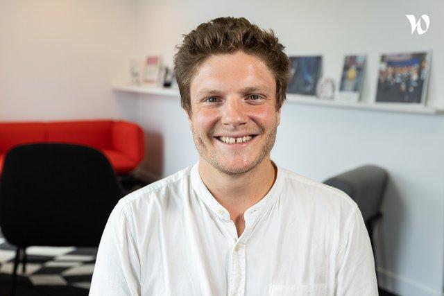 Rencontrez Simon, Chef de Projet – Hopscotch Event - Hopscotch Groupe