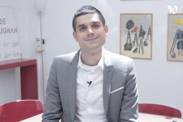 Rencontrez Romain, Avocat collaborateur en droit social - VAUGHAN AVOCATS