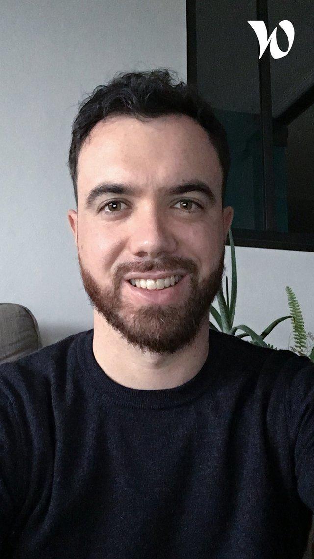 Rencontrez Sébastien, Chargé de Communication - Pôle EMC2