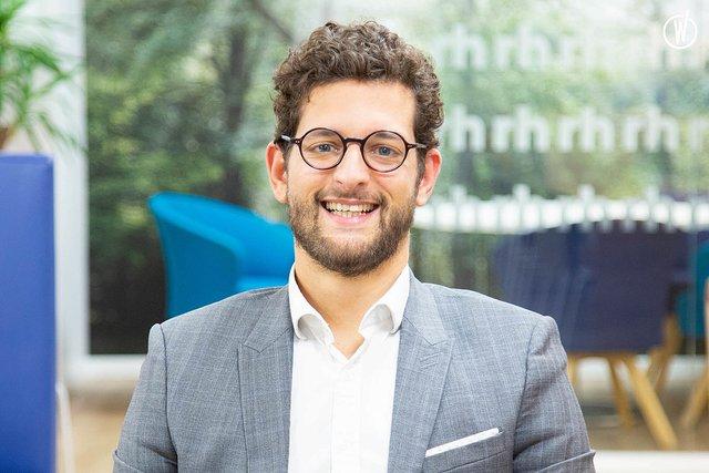Rencontrez Romain, Manager - Office Team - Robert Half France