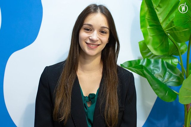Rencontrez Laura, Directrice des Opérations / Team Leader - SLAP digital