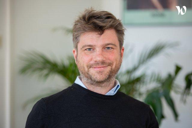 Rencontrez Baptiste, Directeur - Pixies Agency
