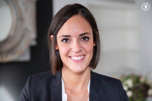 Rencontrez Sarah, Consultante Middle & Top Management - Les Nouveaux Héritiers