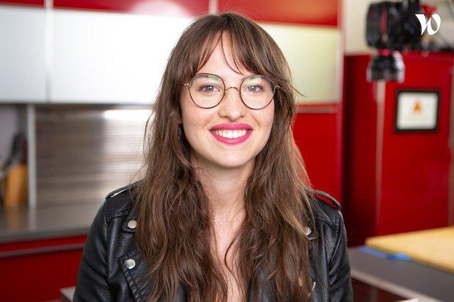 Rencontrez Émilie, Responsable rubrique cuisine - CCM Benchmark Group