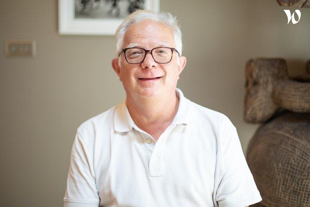 Rencontrez Jean Paul, Président fondateur - Petit Futé