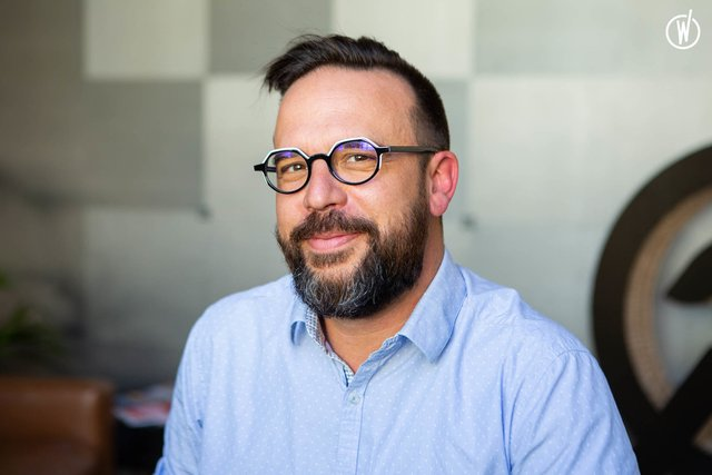 Rencontrez Guillaume, Business Manager - Café Frappé