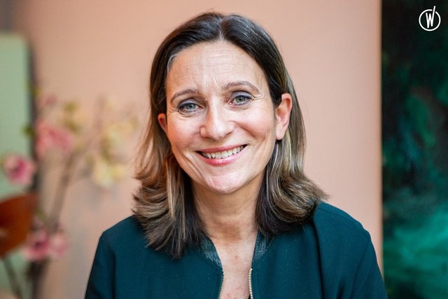 Rencontrez Véronique, Pharmacien - Directeur Marketing et Développement International  - Laboratoires Laudavie