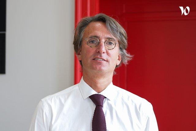 Rencontrez Alexandre Bouchet, Associé et Fondateur - E-cube Strategy Consultants
