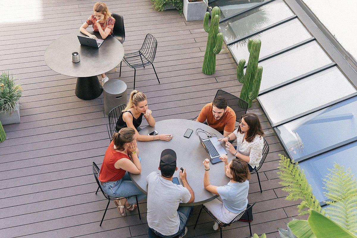 Jsem introvert. Jak zapadnout do firemní kultury a do týmu?