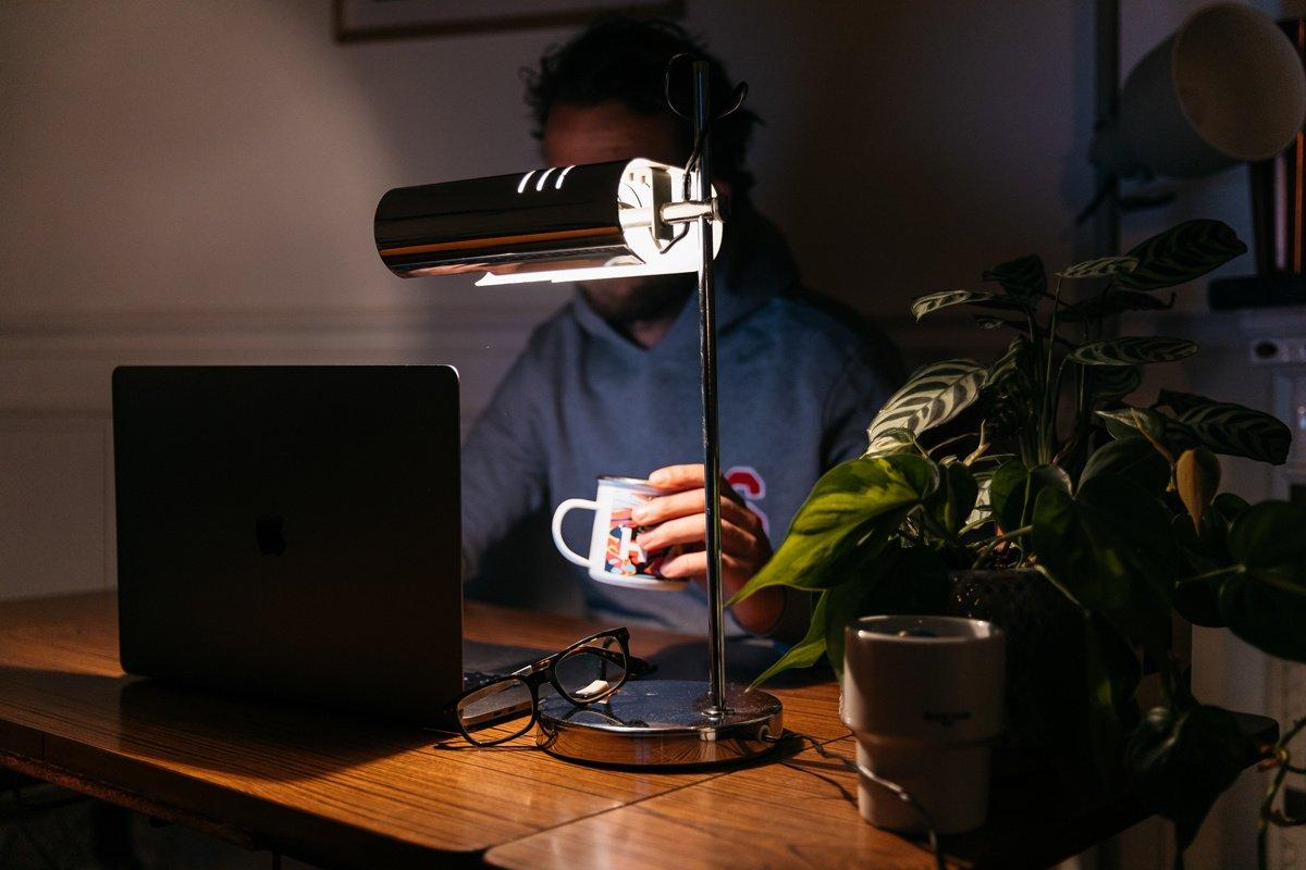 Covid-19 et télétravail : les nouveaux travailleurs de la nuit