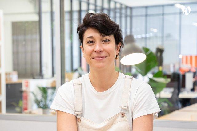 Rencontrez Colline, Directrice de l'offre - Omie & Cie