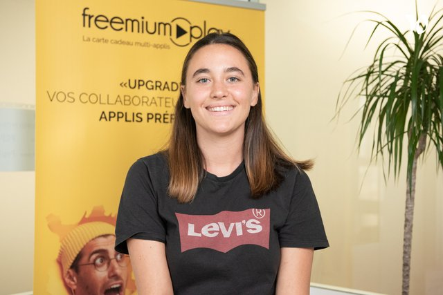 Rencontrez Clara, Chargée de communication et partenariats - FreemiumPlay