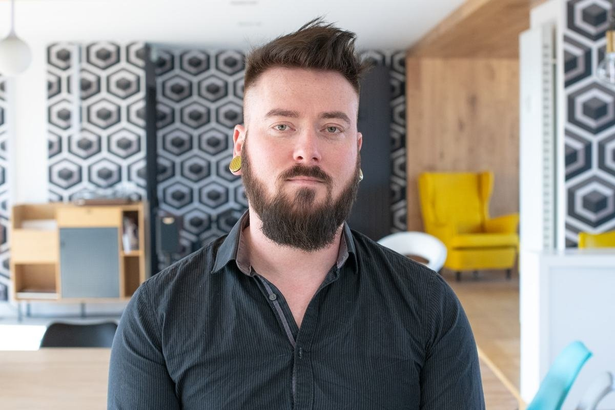 Rencontrez Thibault, Ingénieur du son - KaraFun Group