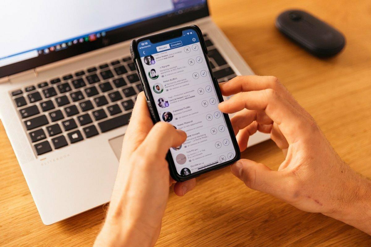 Měli byste přijímat všechny žádosti o spojení na LinkedInu?