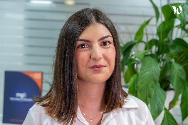 Rencontrez Mélanie , Assistante Communication - MGI (Marseille Gyptis International)